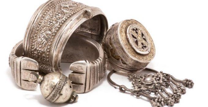 tarnished silver jewelry