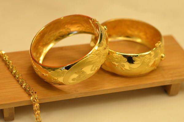 2-gold-rings.jpg