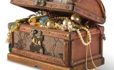 small treasure chest for jewelry