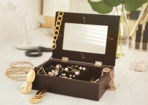 jewelery-box-with-mirror